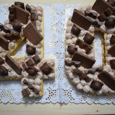 torta di pasta frolla a forma di numero