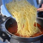 Spaghetti olive nere e capperi