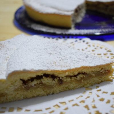 Crostata chiusa al cioccolato bianco e noci