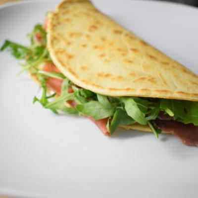 Piadina con gorgonzola prosciutto crudo e rucola