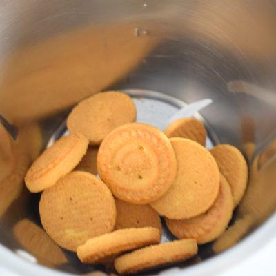 dolce al cucchiaio con biscotti e crema al mascarpone