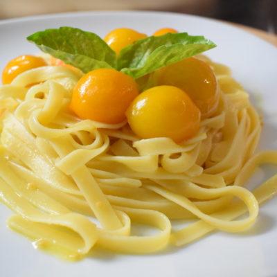 Fettucce con pomodorini gialli