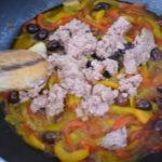 Pasta con peperoni e tonno