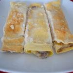 Crepes con besciamella e carne macinata